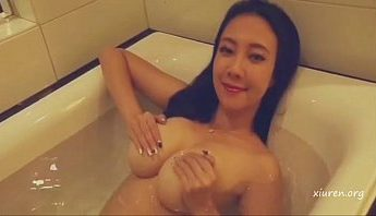 巨乳小模風騷推女郎松果兒浴室泡澡私拍寫真性感視頻,小模、巨乳、推女郎、松果兒、浴室成人影片、免費A片