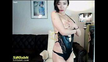 貓耳韓國BJ女主播邊性感秀舞邊玩弄自己乳頭,主播、女主播、秀舞、網襪、韓國、韓國BJ成人影片、免費A片