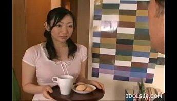 大阪年輕媽媽撞見準備考試的寶貝兒子打飛機影片,口交吃精道歉,POV、口交、吃屄、吃精、吞精、大阪、媽媽、打飛機、母子亂倫、近親性交、近親相姦成人影片、免費A片