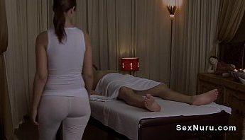 巨乳女按摩師幫男客在SPA做Nuru按摩推油舒壓,NURU按摩、SPA、女按摩師、巨乳、巨根、性愛按摩、成人按摩、按摩、按摩師、推油、色情按摩、西洋歐美成人影片、免費A片