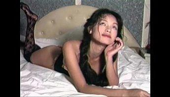 台灣性感女神舒淇早期露點寫真影片,本土美女情色內衣展穿著黑絲襪吊襪帶性感情趣內衣走秀,青春熱情又青澀~比起後來的三級片多了一份唯美感,台灣、吊襪帶、唯美、女神、寫真、性感內衣、性感睡衣、情色內衣、情趣內衣、絲襪控、美女、舒淇、黑絲襪成人影片、免費A片