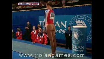 體操選手苦練多年為國爭光之跳馬肏10/10滿分插入,搞笑、西洋歐美、體操選手成人影片、免費A片