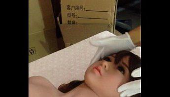 台灣性愛工廠情趣娃娃影片柔軟度品管實測,真人矽膠純情鄰家女友版,台灣、性愛娃娃、情趣娃娃、情趣用品、情趣真人娃娃、真人娃娃、矽膠娃娃、自愛用品成人影片、免費A片