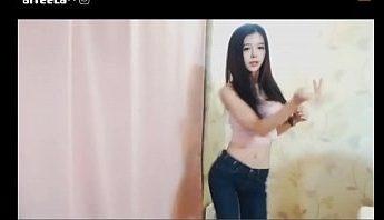 超會扭的腰瘦巨乳韓國長髮美女視訊女主播性感熱舞直播,既可愛又火辣,這個我可以~新春打包帶回家~,主播、女主播、巨乳、成人直播、成人視訊、熱舞、熱舞直播、直播、秀舞、美女、視訊、韓國成人影片、免費A片