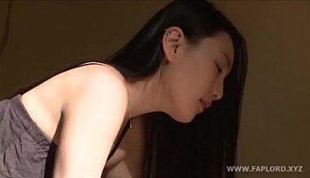 韓國性感正妹姊姊一大清早發情摸上弟弟的老二做愛,做愛、姊姊、姐弟、姐弟亂倫、正妹、近親性交、近親相姦、韓國、騎乘位成人影片、免費A片